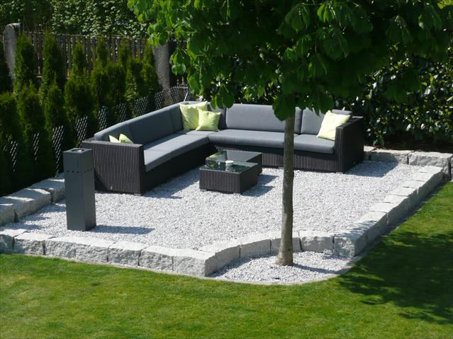 lounge ecke im garten gestalten haloring. Black Bedroom Furniture Sets. Home Design Ideas